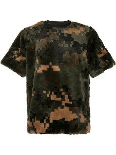 футболка с камуфляжным принтом Sacai