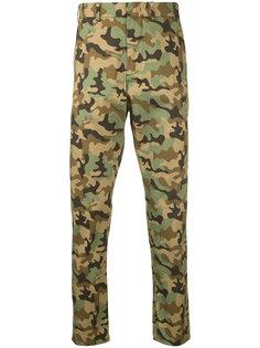 брюки с камуфляжным принтом Nº21