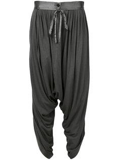 брюки с заниженным шаговым швом со сборкой Unconditional