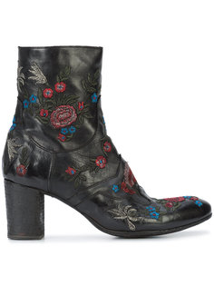 embroidered flowers ankle boots  Fauzian Jeunesse