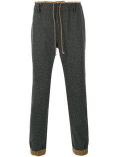 брюки с присборенным поясом Sacai