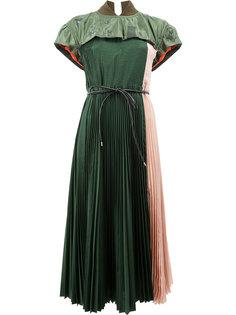 платье-миди с плиссировкой Sacai