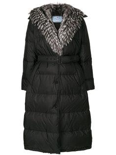 пальто с отделкой из меха лисы  Prada