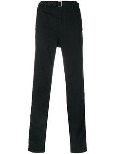 брюки с заниженной проймой и поясом  Sacai