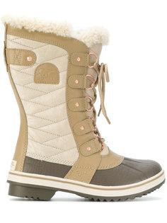 сапоги на шнуровке Sorel