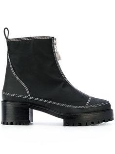 ботинки Chris Nicole Saldaña
