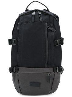 рюкзак с пряжками Eastpak