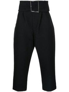 зауженные брюки с широким поясом Maison Mihara Yasuhiro