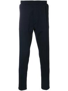 зауженные брюки Low Brand