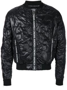 куртка-бомбер со стеганым эффектом Andrea Crews