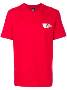 футболка с логотипом в ироничном стиле Omc