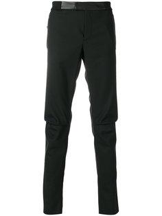 брюки скинни с заплатками Les Hommes