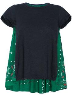 футболка с панелью с узором пейсли Sacai
