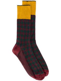 носки в шотландскую клетку Prada