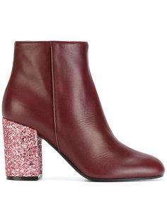 ботинки на блестящем каблуке Pollini