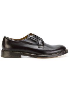 классические туфли Дерби Doucals