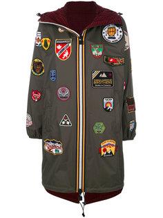 пальто с капюшоном и нашивками  Dsquared2