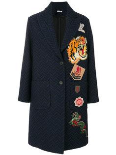 пальто с шевронным узором и заплатками P.A.R.O.S.H.