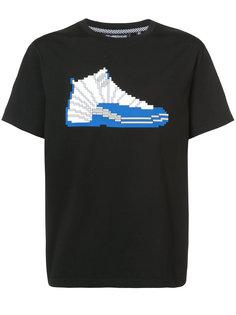 футболка с принтом кроссовка Mostly Heard Rarely Seen 8-Bit