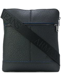 фактурная сумка-почтальонка  Armani Jeans