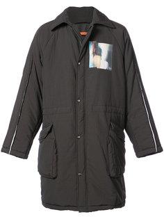 стеганое пальто с графическими вставками Komakino
