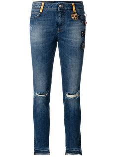 состаренные джинсы с нашивками  Ermanno Scervino