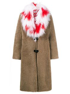 пальто с тибетским воротником из овечьей шерсти Febbe Red Cross Saks Potts