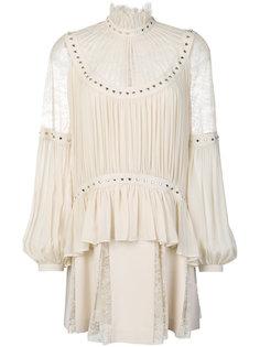 платье с кружевными вставками и заклепками-сердцами Elie Saab