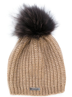 вязаная шапка с помпоном из енотового меха Norton