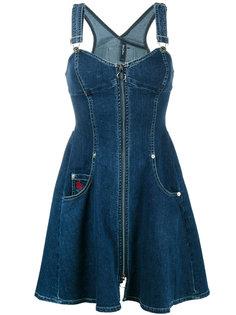 приталенное джинсовое платье без рукавов  Adam Selman
