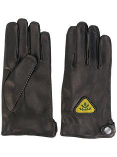 перчатки с нашивками Diesel
