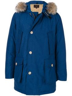 пуховое пальто в капюшоном Woolrich