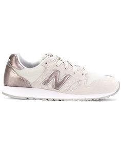 кроссовки на рифленой подошве New Balance