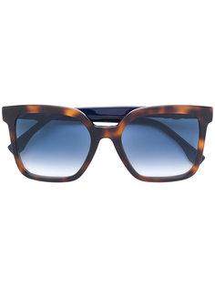 массивные квадратные солнцезащитные очки Fendi Eyewear