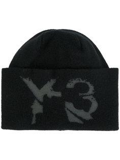 шапка с логотипом Y-3