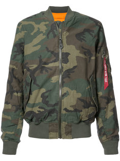 камуфляжная куртка-бомбер Alpha Industries