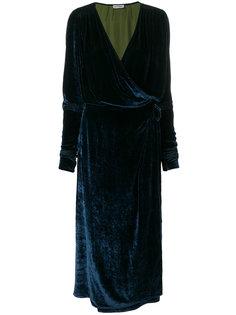 платье с запахом из бархата Attico