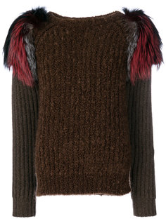 свитер с меховыми деталями на плечах Agnona