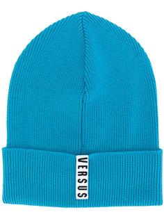 шапка с логотипом Versus