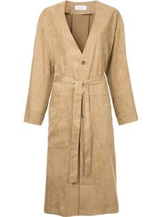 пальто без воротника с поясом En Route