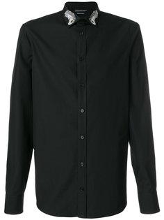 рубашка с вышивкой пера на воротнике Alexander McQueen