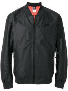 куртка-бомбер  New Balance