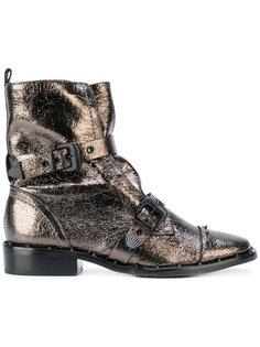 ботинки с отделкой металлик Schutz