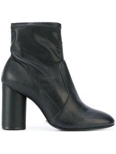 ботинки на каблуке Schutz