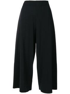 широкие укороченные брюки Issey Miyake