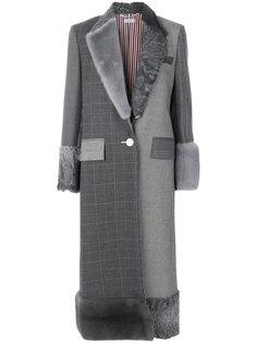 длинное пальто с меховыми вставками Thom Browne