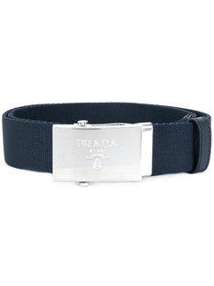 ремень с логотипом на бляшке Prada
