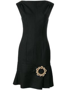 приталенное платье с брошью  Jacquemus