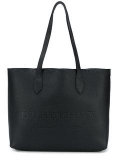 большая тисненая сумка-тоут  Burberry