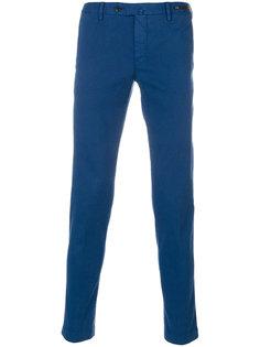 брюки прямого кроя с подвернутыми брючинами Pt01